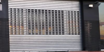 Puertas Automáticas J.C puerta enrollable troquelada