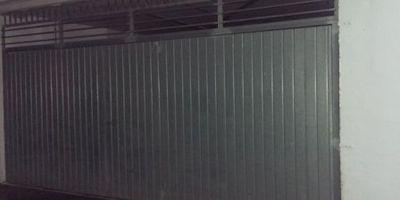Puertas Automáticas J.C puerta basculante galvanizada